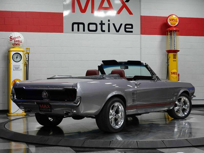 1967 Ford Mustang Restomod convertible 490 PS V8 engine tuning 23 1967 Ford Mustang Restomod convertible with 490 PS V8 engine!