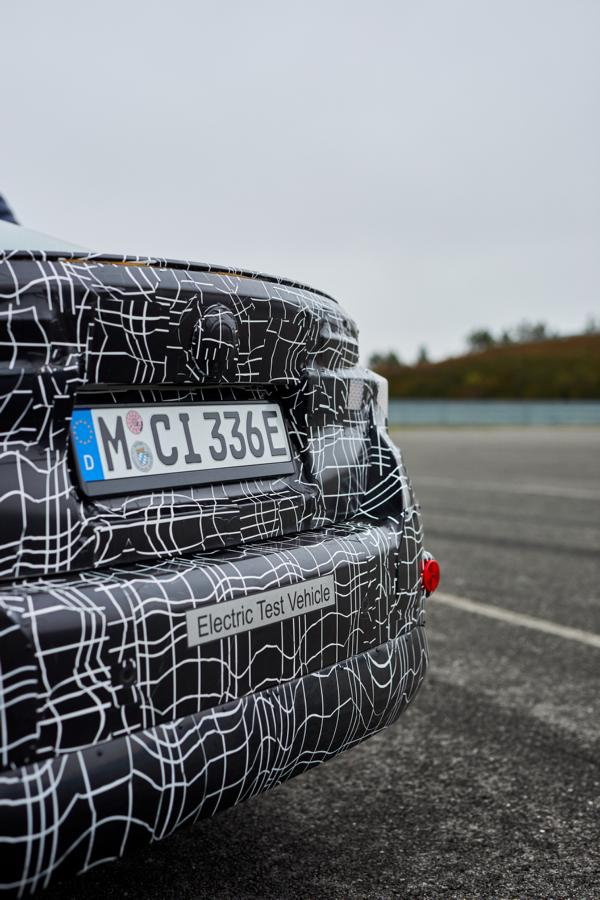 BMW i4 test drive electrics 2021 Tuning 42 Electric BMW i4 with brand-typical sportiness!