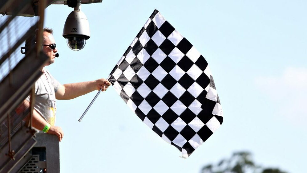 Flag Flag Signal flag Signal flag Formula 1 e1611221649474 Signal flag / warning flag on the vehicle? The meanings!