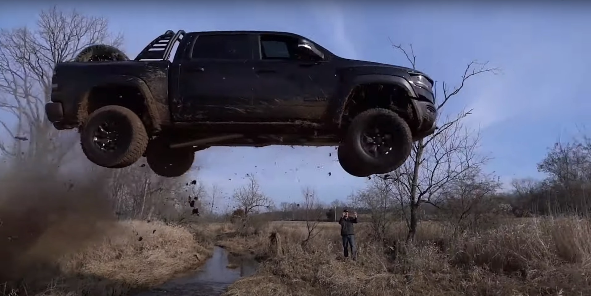 Fliegender 2021 RAM 1500 TRX Pickup Truck Video: Fliegender 2021 RAM 1500 TRX Pickup Truck!