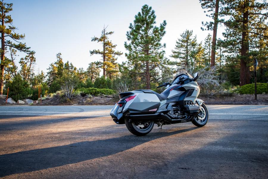 Honda GL1800 Gold Wing MJ 31 Android Auto in the Honda GL1800 Gold Wing MJ 2021