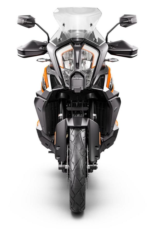 KTM 1290 SUPER ADVENTURE S Studio front Runderneuert   KTM 1290 Super Adventure S MJ. 2021!