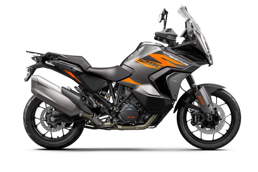 KTM 1290 SUPER ADVENTURE S Studio right 1 Runderneuert   KTM 1290 Super Adventure S MJ. 2021!