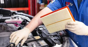 Changing the air filter Instructions 2 e1610174981894 310x165 Brake fluid: change interval and what it costs!
