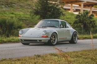 Restomod 1989 Porsche 911 Reimagined by Singer 1 310x205 zu verkaufen: 1989 Porsche 911 Reimagined by Singer!