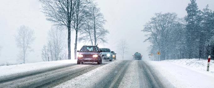 Snow Winter Driving Car Road Tip: This is how car drivers get through the winter safely!