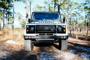1988 Land Rover Defender 130 Restomod LS3 V8 5 310x205 1988 Land Rover Defender 130 Restomod mit LS3 V8!