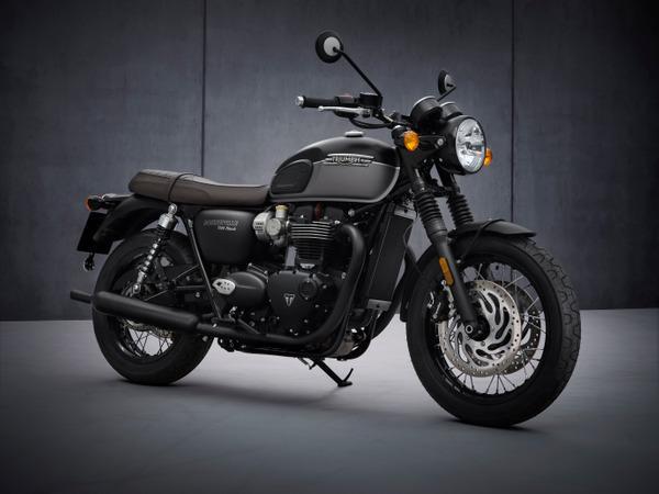 2021 Triumph Bonneville T120 Black Hero 02 Triumph präsentiert Update für die Bonneville Familie!