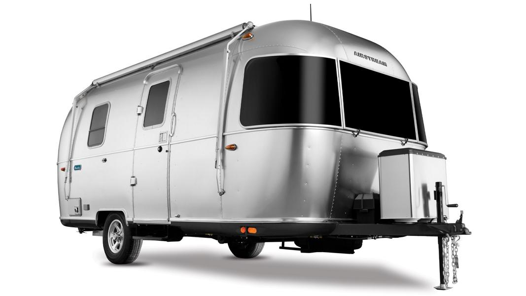 Airstream Bambi Trailer Modell 2021 Camping Wohnmobil 1 Airstream präsentiert den Bambi Trailer Modell 2021!