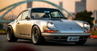 Porsche 911 Special Commission Singer Taiwan 964 Head 310x165 Porsche 911 Special Commission from Singer in Taiwan!