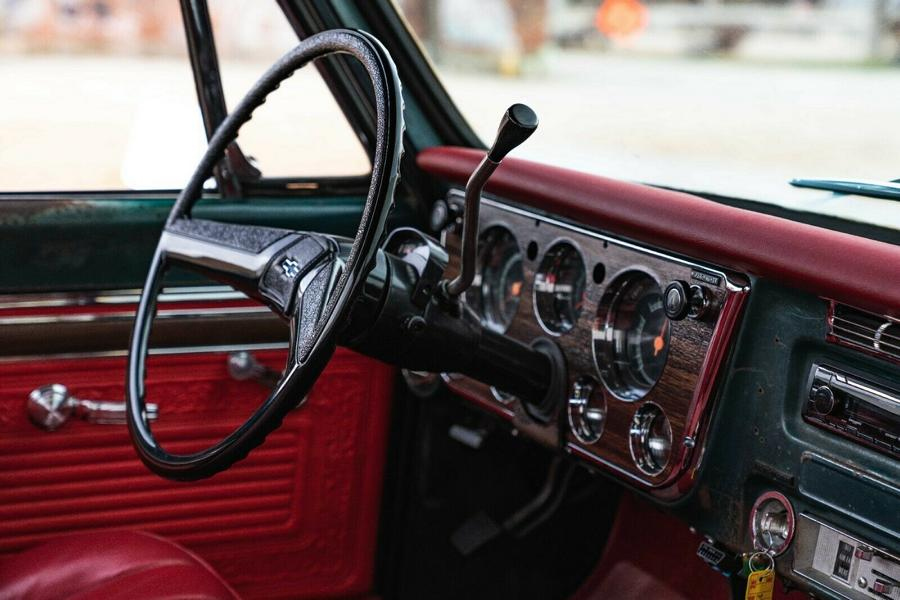 1969er Chevrolet C10 Restomod 8 1969er Chevrolet C10 Restomod mit modernem LS V8!