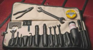 On-board tools Toolkit Tool bag Oldtimer 2 310x165 With these tools you are well equipped in the event of a breakdown!