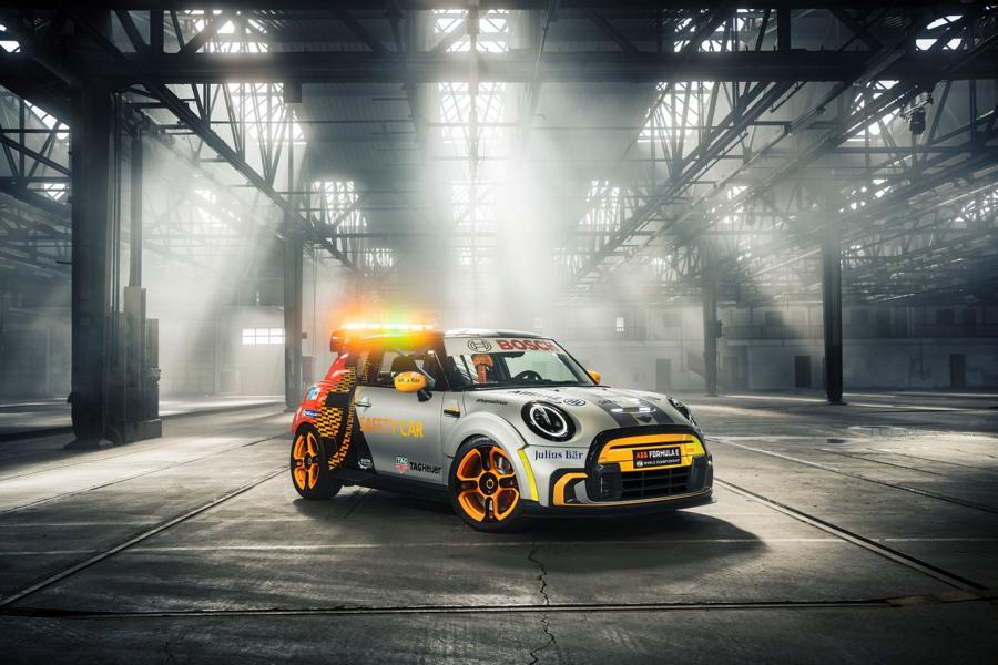 MINI Electric Pacesetter inspired JCW Formel E 42 FIA Formula E Safety Car: MINI Electric Pacesetter inspired by JCW!