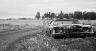 Altes Auto Strassenrand abgemeldet stillgelegt 5 1