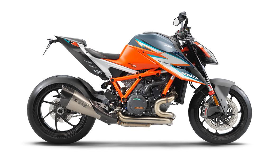 KTM 1290 SUPER DUKE RR right Streng limitiert: die KTM 1290 Super Duke RR ist da!