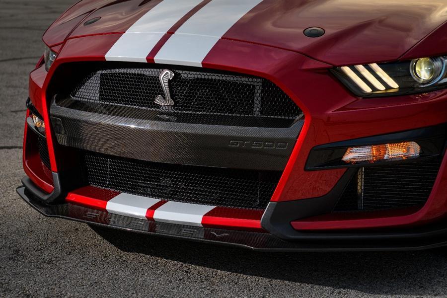 Mustang GT 500 Carbon Fiber Center Bumper 01 Shelby Mustang GT500 mit neuen Carbon Komponenten!