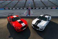 Mustang GT 500 Carbon Fiber Parts 01 190x127 Shelby Mustang GT500 mit neuen Carbon Komponenten!