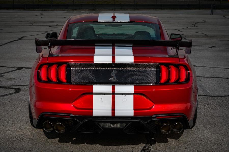 Mustang GT 500 Rear Decklid Carbon Fiber Trim Panel 02 Shelby Mustang GT500 mit neuen Carbon Komponenten!