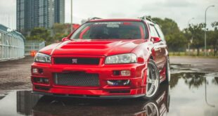 Nissan Stagea GT R Wagon R34 with RB26DETT Head 310x165 Video: 38 inch tires on a 550 PS Toyota Tundra!