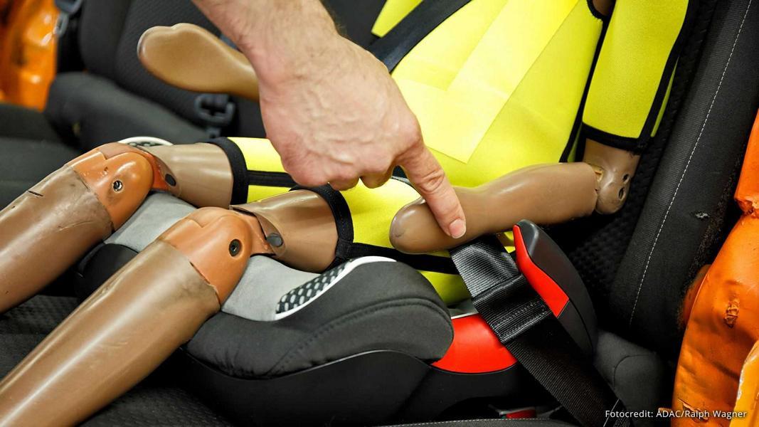 ADAC Kindersitze 2021 Test 4 Fünf mal mangelhaft: ADAC testet Kindersitze 2021!