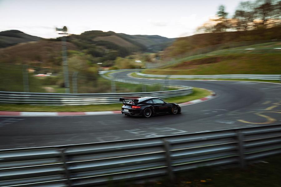 Manthey Porsche 911 GT2 RS mit Rekord 12 Video: 6:43,300 Min.   Manthey Porsche 911 GT2 RS mit Rekord!