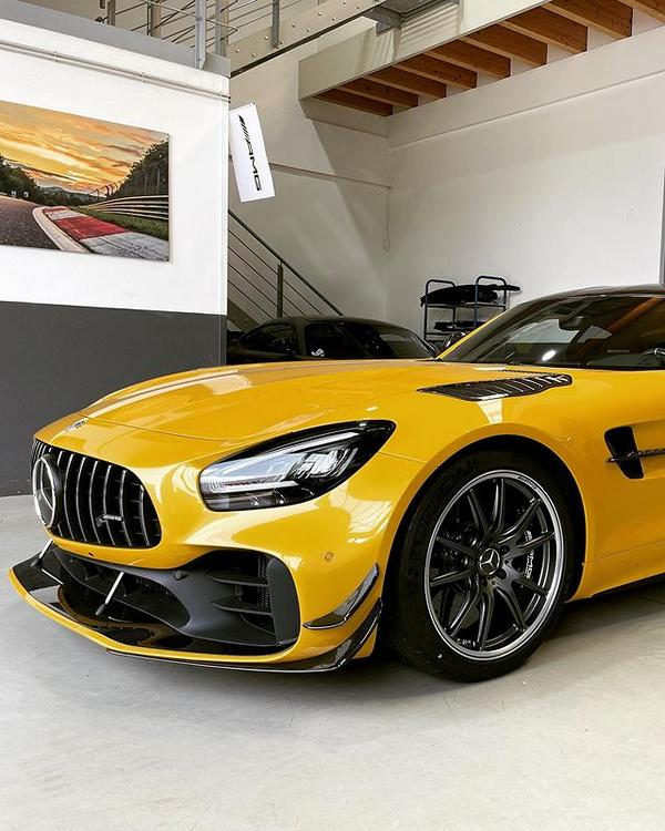 Mercedes AMG GT R in Solarbeam Yellow 2 933 PS im Mercedes AMG GT R in Solarbeam Yellow!